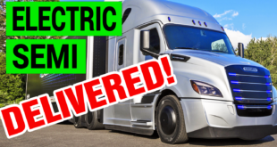 Daimler's Electric Semi Truck Beats Tesla to Market